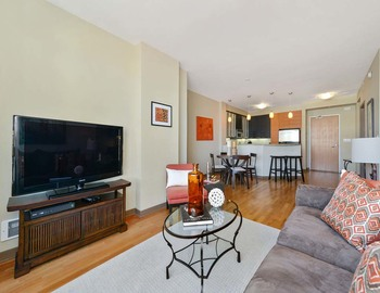 $0 per month , 693 Powell St,